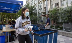 A student during Move In for Fall 2020. Photo by Brittany Hosea-Small.